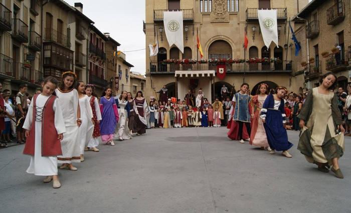 fiestas medievales de olite navarra